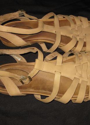 38 р-р, шикарные кожаные босоножки сандали timberland