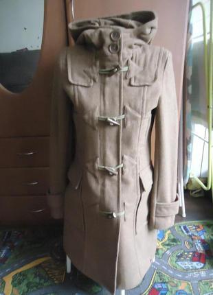 Пальто дафлкот с капюшоном