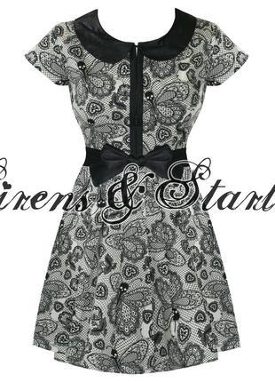 Оригинальное черно-белое платье бренда iron fist размер m