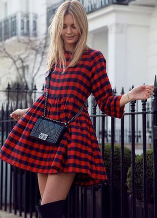 Теплое платье в красно черную клетку