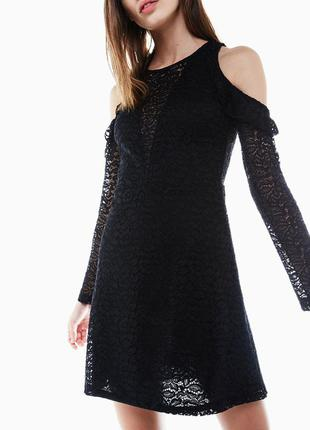 Продам кружевное платье bershka