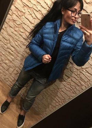 Стильная синяя курточка-пуховик adidas