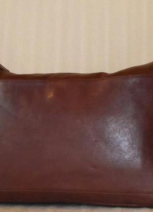Большая практичная сумка *saccoo* натуральная кожа.