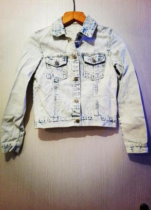 Крута джинсова курточка на маленьку, худеньку дівчинку)