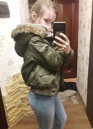 Бомбер хаки с капюшоном куртка