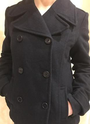 Пальто h&m темно синего цвета модное