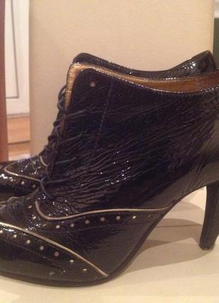 Лаковые ботинки ботильоны dumond