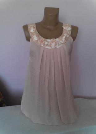 Нежная кремовая блузка с атласными розами