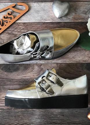 Оригинальные туфли-криперы с пряжками в цвете металлик    sh0712    deena&ozzy