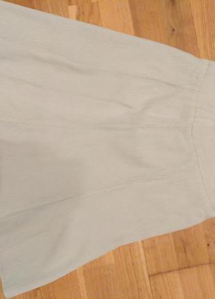 Летняя юбка нежно салатового цвета
