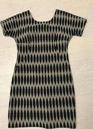 Стильное платье оригинал etro