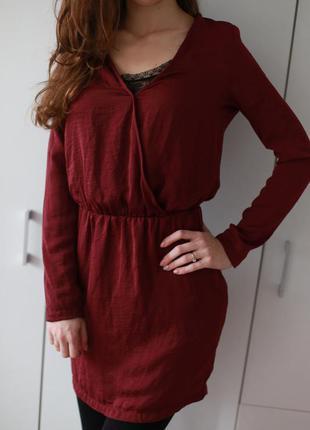 Легкое платье винного цвета