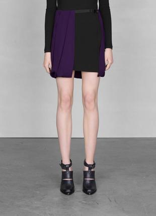 Новая юбка & other stories черная с фиолетовым