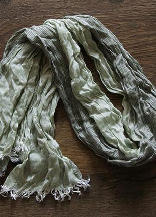Модный, стильный, зелено-серый шарфик