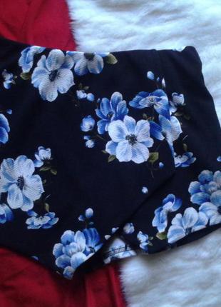 Актуальная юбка-шорты