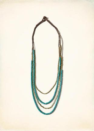 Красивое ожерелье с натуральными камнями от известного американского бренда.