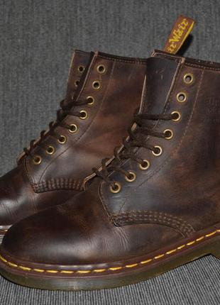 Классические ботинки dr. martens