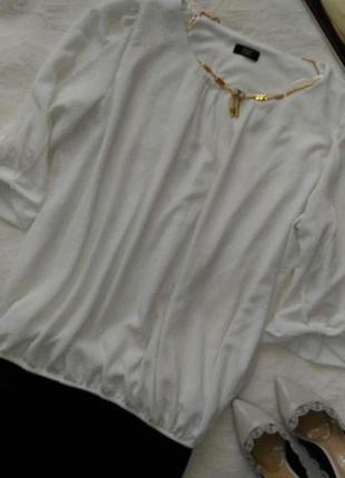 Блузочка молочного цвета