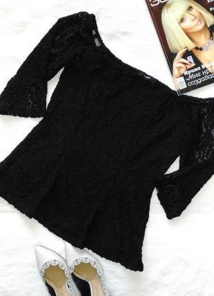 Гипюровая блуза с баской.