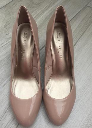 Кремовые лаковые туфли лодочки m&s