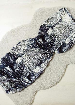M&s стильное платье в обтяжку в необычный принт!