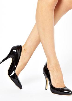 Стильные лакированные туфли лодочки 35 размер