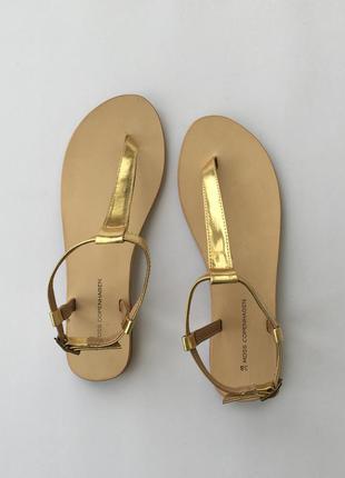 Moss copenhagen босоножки сандалии золотые