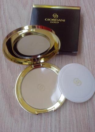 Компактная шелковая пудра giordani gold