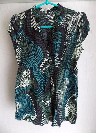 Блуза с эффектным принтом