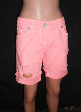 Яркие неоновые джинсовые шорты