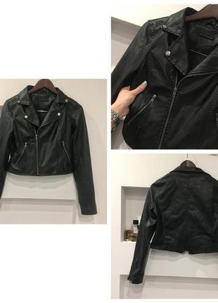 Крутая  черная куртка кожанка /косуха /  стильно смотрится / круто сидит /  состояние идеальное