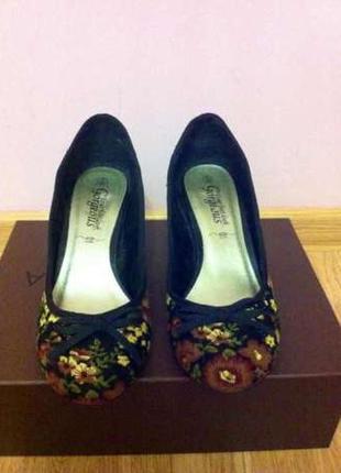 Фирменные яркие туфли,туфельки new look+подарок ремень
