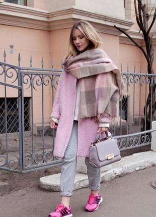 Трендовое пудровое розовое пальто оверсайз бойфренд