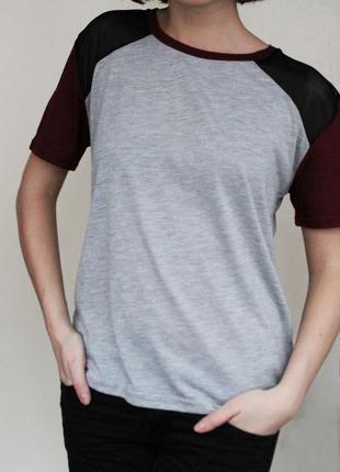 Футболка с вставками сетки на плечах бордо