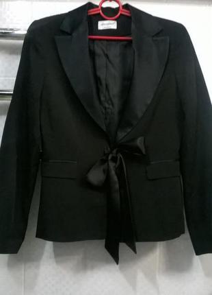 Пиджак  с бантом