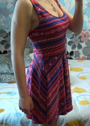 Платье актуальное молодежное разноцветное в орнамент м