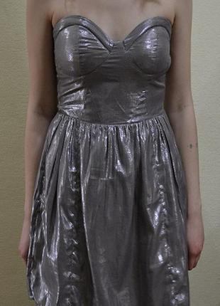 Короткое платье bershka