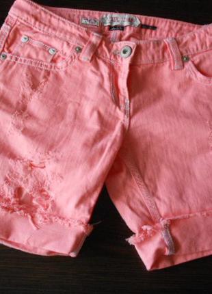 Яркие неоновые джинсовые шорты river island
