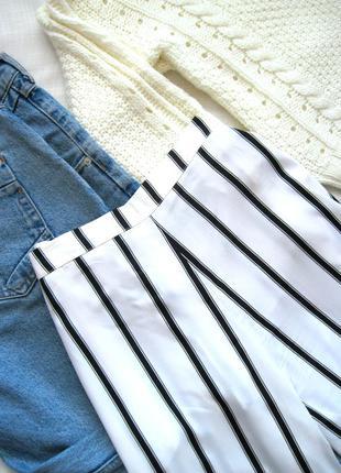 Легкие стильные штаны-кюлоты в полоску atmosphere