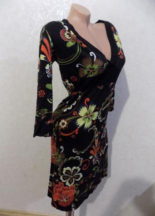 Платье черное с цветами v-образный вырез фирменное only размер 48