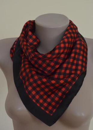 Стильный шарф платок в клетку