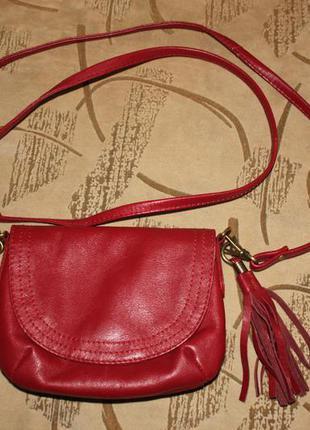 Маленькая красная (бордо, кожаная) сумочка f&f через плечо