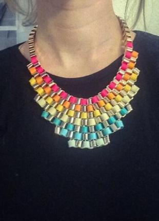 Ожерелье цветное