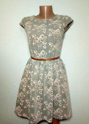 Платье фактурное плотное  с пышной юбкой р м topshop