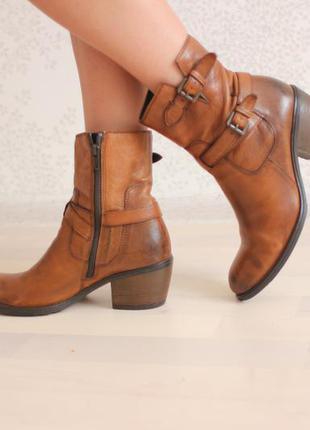 Кожаные ботинки полусапожки, натуральная кожа, бреннд clarks