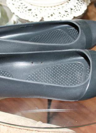 Фирменные балетки crocs 37 р