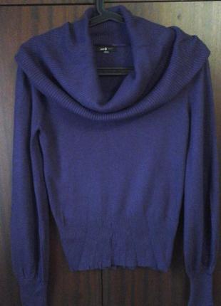 Фиолетовый джемпер с красивым воротником