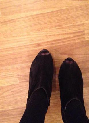 Замшевые ботиночки на танкетке zara