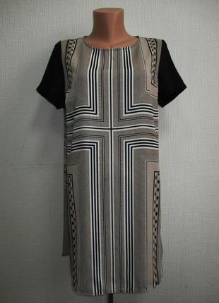 Модное платье в геометрический принт marks&spencer