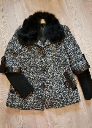 Шикарное пальто с натуральным мехом 48р.